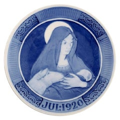 Royal Copenhagen Christmas Plate from 1920