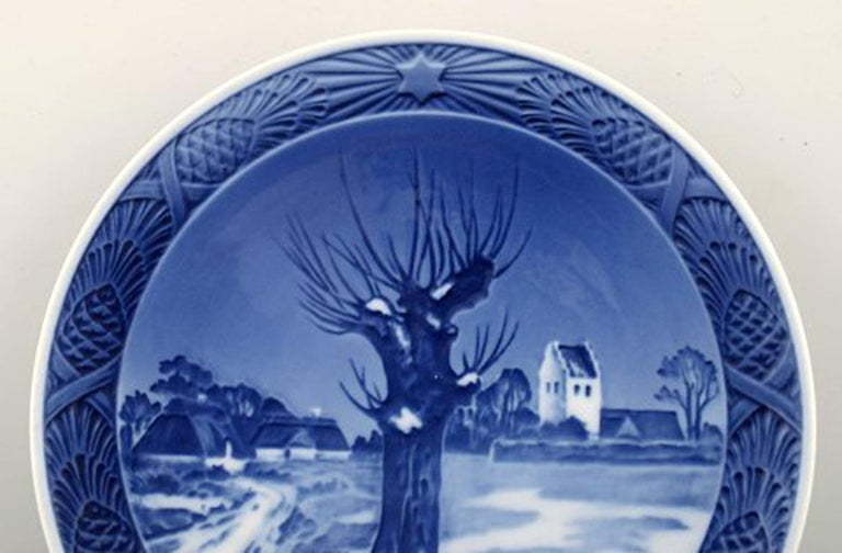 Royal Copenhagen, Christmas plate from 1944 In perfect condition. 1st factory quality Measures: 17 cm.