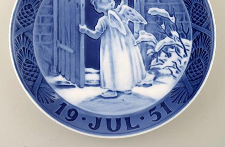 Scandinavian Modern Royal Copenhagen, Christmas Plate from 1951 For Sale