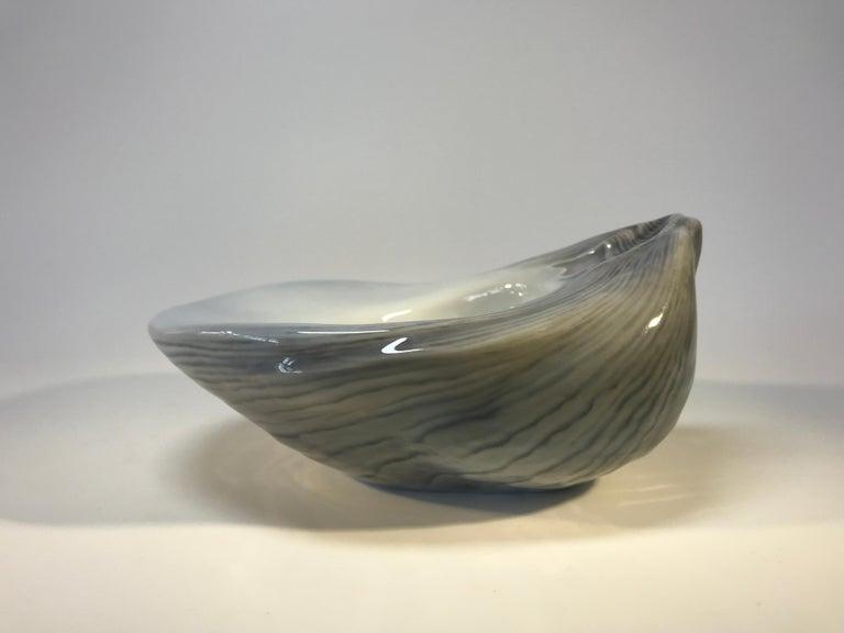 Glazed Royal Copenhagen Denmark Art Deco 1923 Oyster Shell Porcelain Pipe Rest #Y553 For Sale