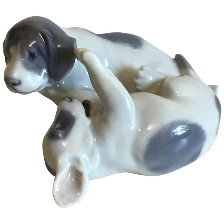 Royal Copenhagen Figurine Pointer Puppies Playing No 453 For Sale