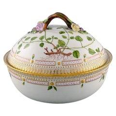 Royal Copenhagen Flora Danica Large Tureen / Lidded Bowl, Branch-Shaped Handle