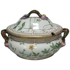 Royal Copenhagen Flora Danica Tureen No 3559