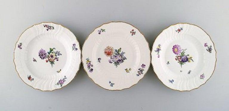 Royal Copenhagen Saxon Flower. Twelve dinner plates. Decoration number 4/1621. 1st factory quality. Measures: 25.5 cm. In very good condition.