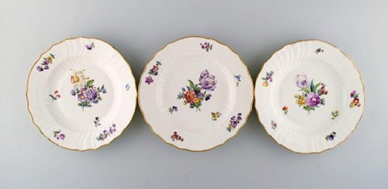 Biedermeier Royal Copenhagen Saxon Flower, Twelve Dinner Plates, Decoration Number 4/1621