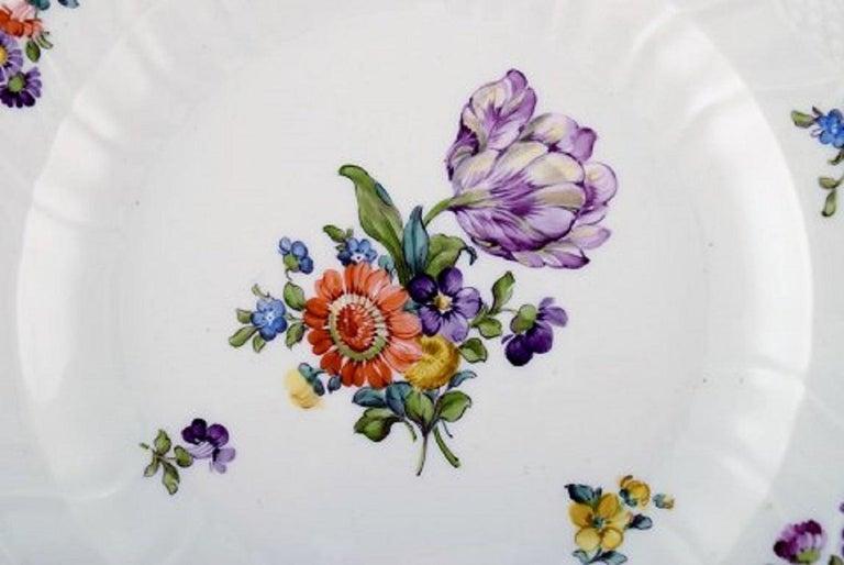 Royal Copenhagen Saxon Flower, Twelve Dinner Plates, Decoration Number 4/1621 In Good Condition In Copenhagen, Denmark