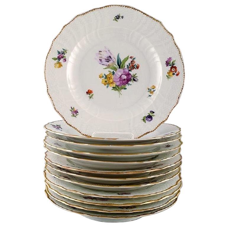 Royal Copenhagen Saxon Flower, Twelve Dinner Plates, Decoration Number 4/1621