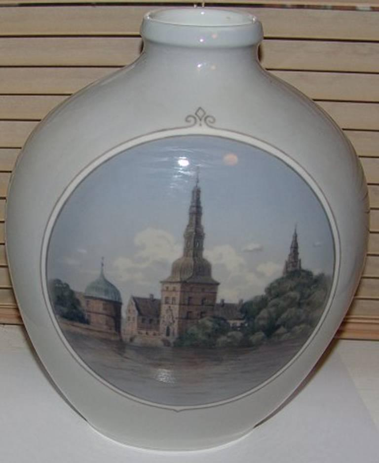 Royal Copenhagen unique vase by Theodor Kjølner from 1932. Measures 27 cm and is in good condition.