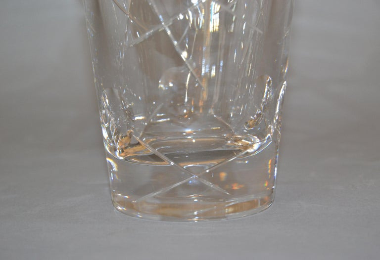Royal Doulton Cut Crystal Vase with Bubbles and Etching, England For Sale 3