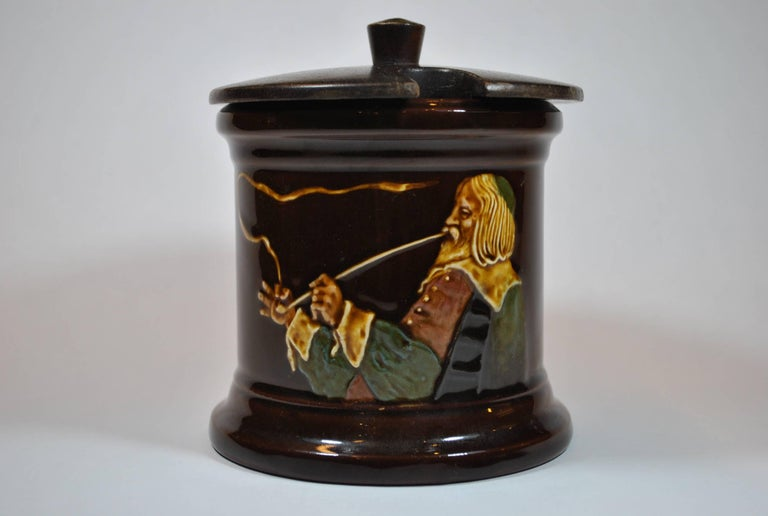 Royal Doulton Kingsware Tobacco Box with Lid In Good Condition For Sale In Mexico, DF