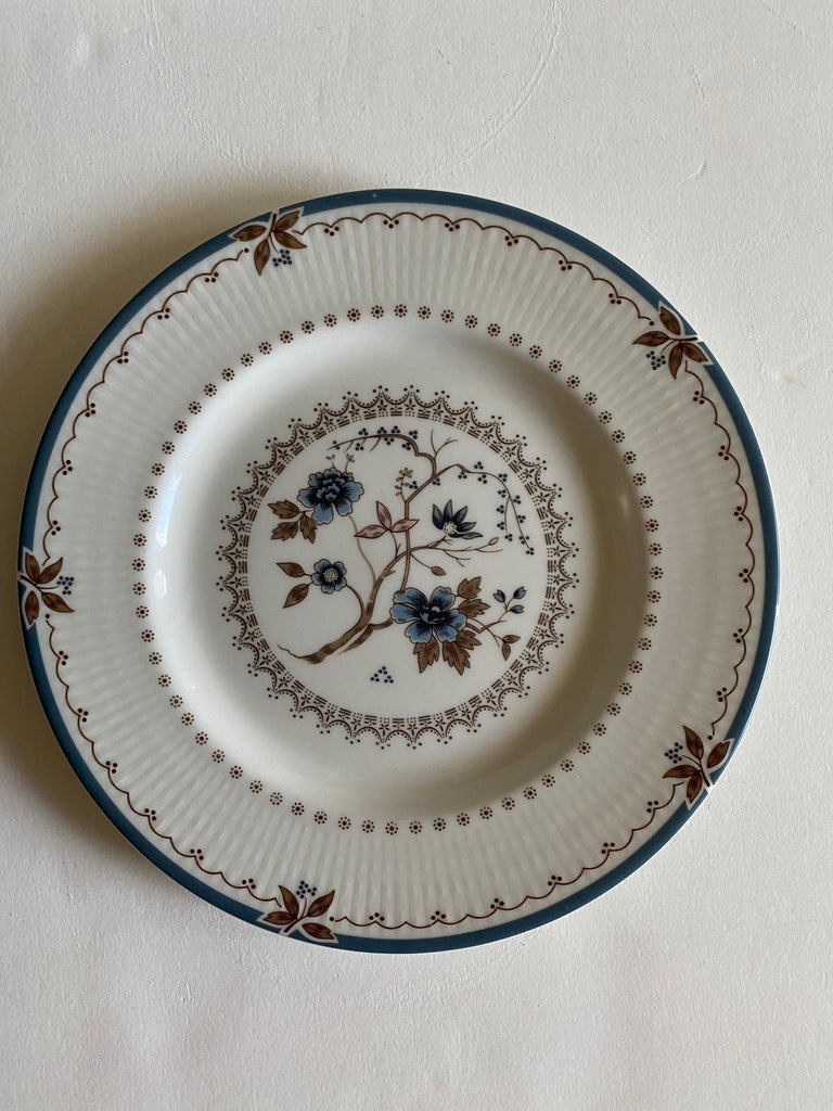 English Royal Doulton Old Colony Salad & Bread Plate Dinnerware Set, 12 Pieces For Sale