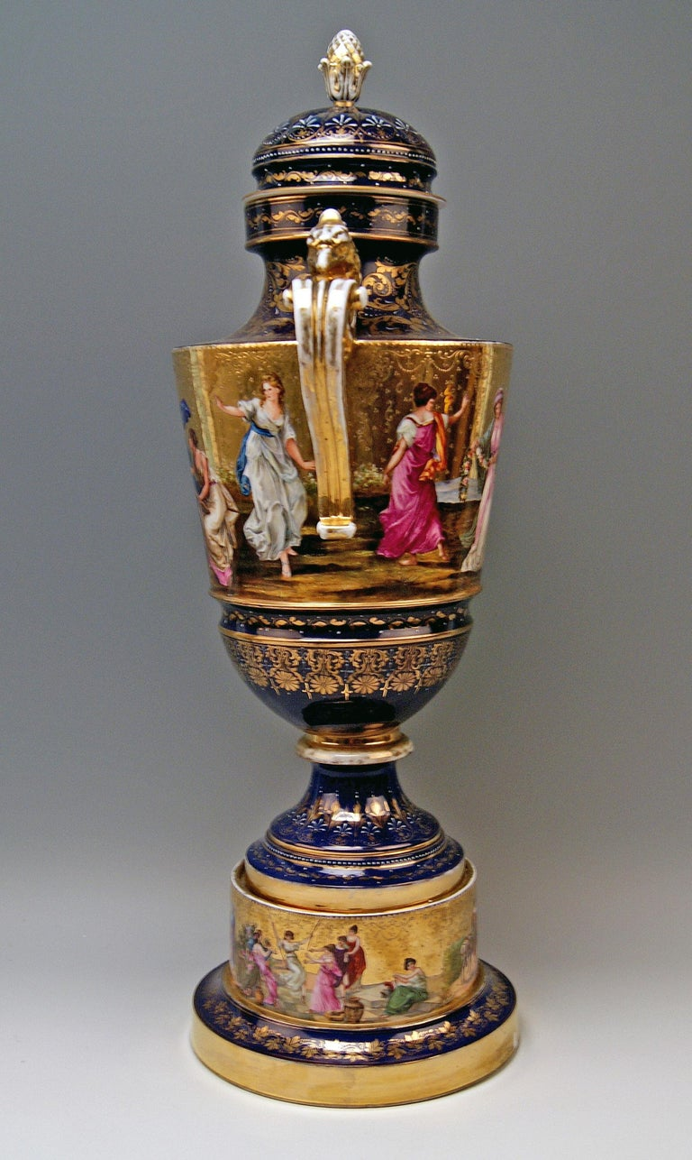 Royal Vienna Porcelain Two-Handled Goblet Golden Painted, 1890 In Good Condition For Sale In Vienna, AT