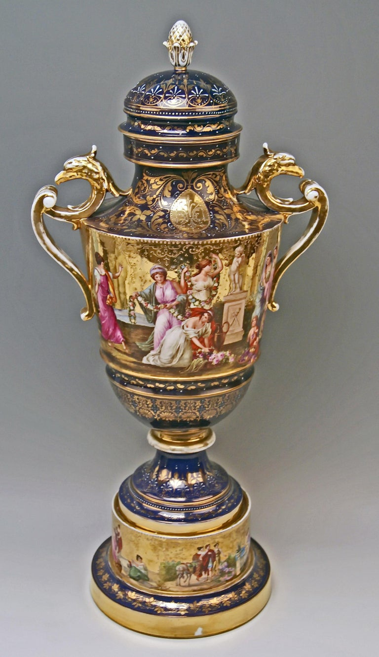 19th Century Royal Vienna Porcelain Two-Handled Goblet Golden Painted, 1890 For Sale
