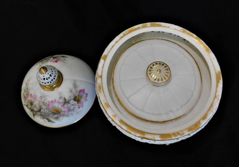 Royal Worcester Lidded Potpourri Porcelain Jar with Lid and Cover For Sale 6