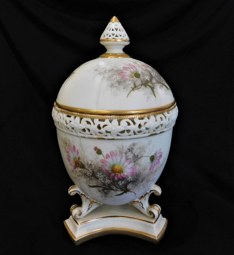 19th Century Royal Worcester Lidded Potpourri Porcelain Jar with Lid and Cover For Sale