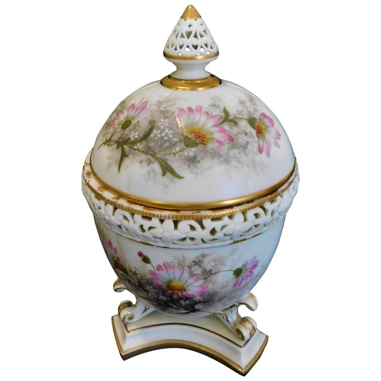 Royal Worcester Lidded Potpourri Porcelain Jar with Lid and Cover For Sale