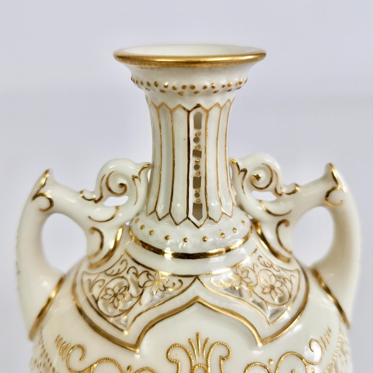 Hand-Crafted Royal Worcester Small Persian Porcelain Vase, Reticulated George Owen, 1917 For Sale