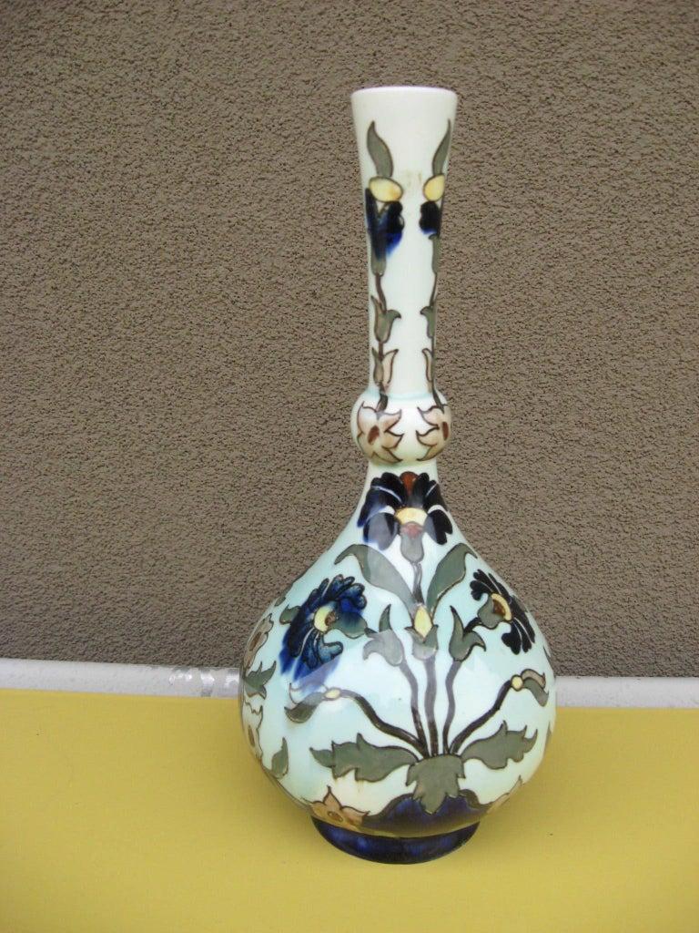 Rozenburg DenHaag Art Nouveau Vase, Late 19th Century In Excellent Condition For Sale In Phoenix, AZ