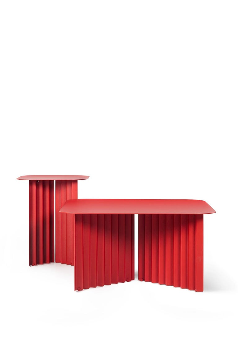 Spanish RS-Barcelona Medium Plec Table in Red Metal by A.P.O. For Sale