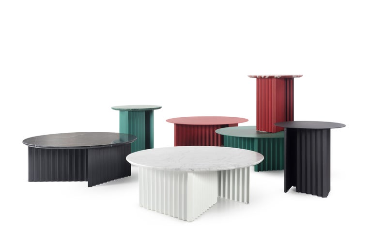 Plec is a collection of coffee and side tables that are as happy together as they are alone. With their accordion-shaped legs, these Plec round tables love creating light and shade effects at any time of day. The Plec table has a steel structure