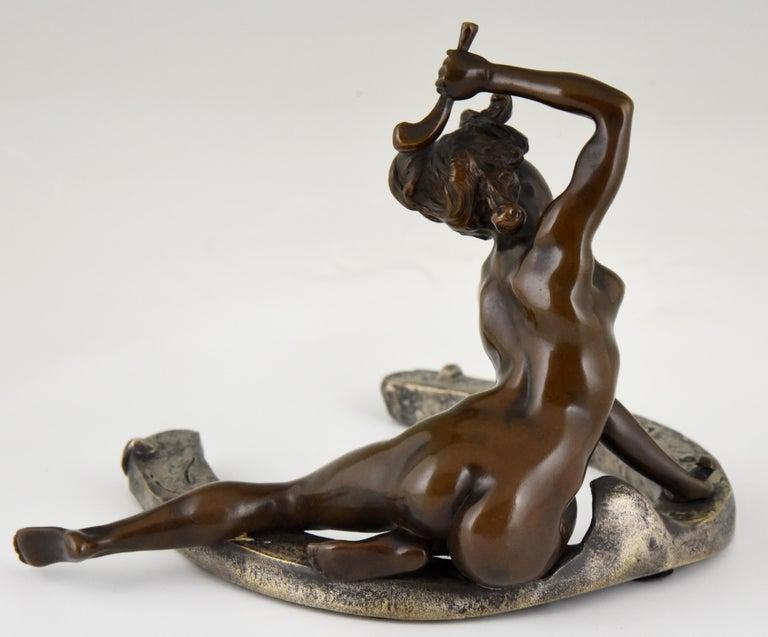 Art Nouveau Bronze Sculpture Nude on a Horseshoe Georges Récipon 1896 Original In Good Condition For Sale In Antwerp, BE