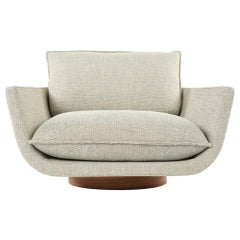 Rua Ipanema Lounge Chair by Yabu Pushelberg in Pale Green