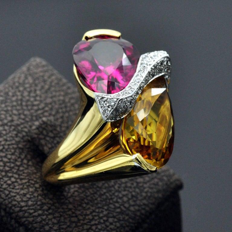 Modern Rubelite Golden Beryl Gold Toi et Moi Cocktail Ring For Sale