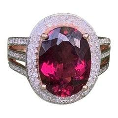 Rubellite 4.5 Carat Tourmaline, Diamond 18 Karat Rose Gold Ring