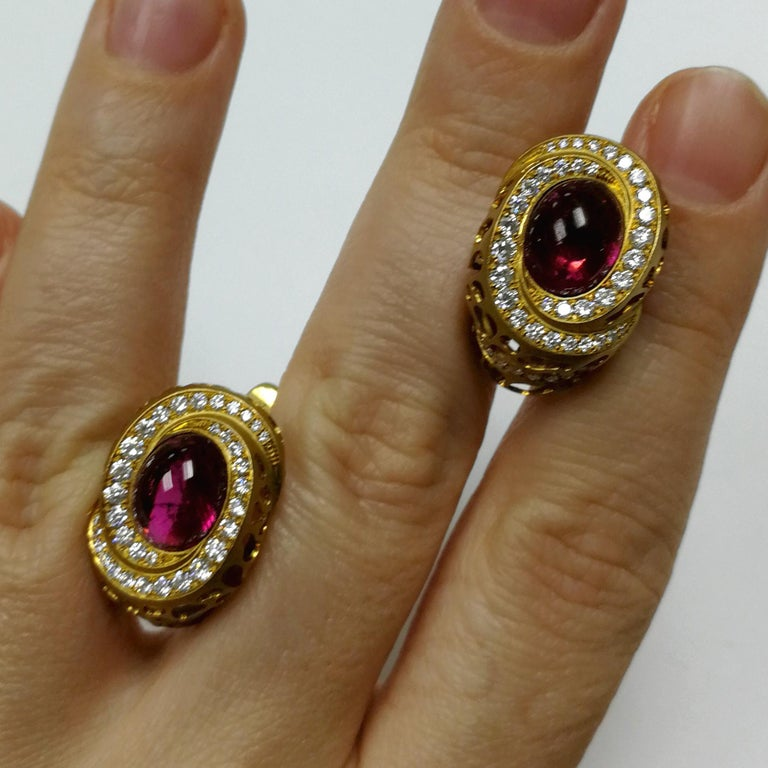 Contemporary Rubellite 8.31 Carat Diamonds 18 Karat Yellow Gold Coral Reef Earrings For Sale