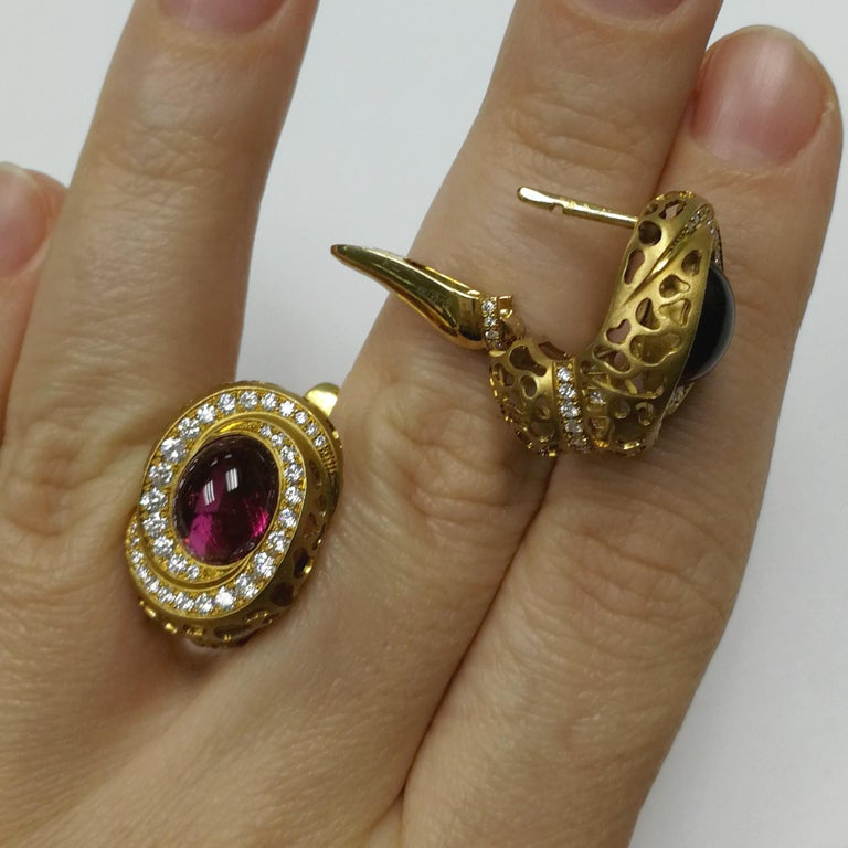 Women's Rubellite 8.31 Carat Diamonds 18 Karat Yellow Gold Coral Reef Earrings For Sale