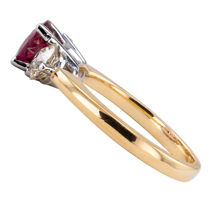 Rubellite Diamond Three-Stone Gold Ring In Good Condition For Sale In Los Angeles, CA