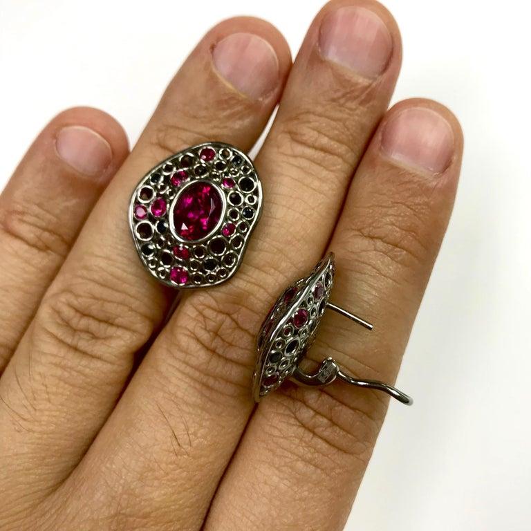 Women's Rubellite Tourmaline 4.54 Carat, Ruby Sapphire 18 Karat Black Gold Earring For Sale