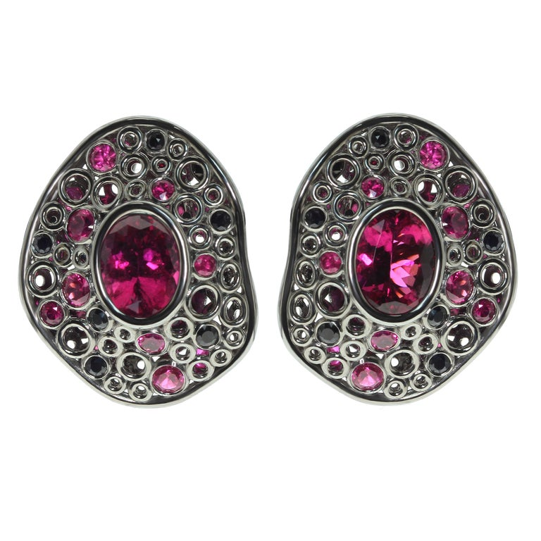 Rubellite Tourmaline 4.54 Carat, Ruby Sapphire 18 Karat Black Gold Earring For Sale