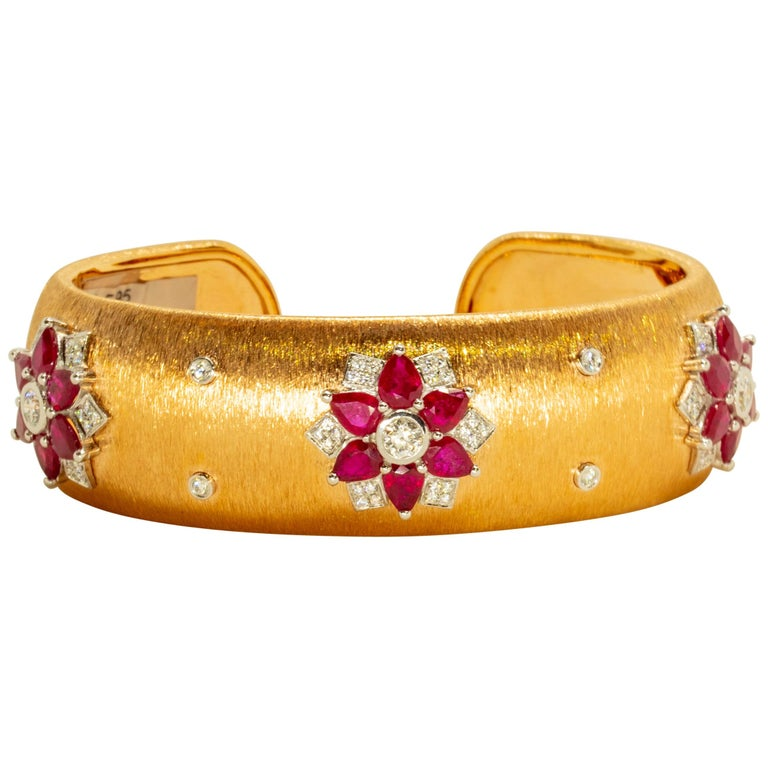 Rubies 18 Karat Rose White Gold Link Bangle with Diamonds For Sale