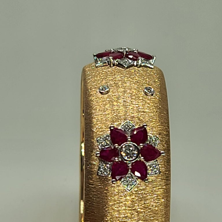 Rubies 18 Karat Rose White Gold Link Bangle with Diamonds For Sale 5