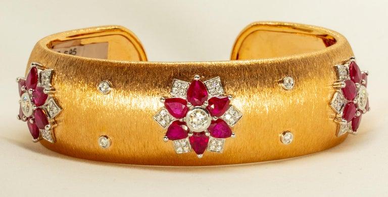 Modern Rubies 18 Karat Rose White Gold Link Bangle with Diamonds For Sale