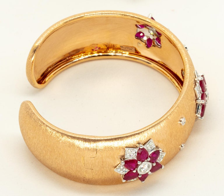 Rubies 18 Karat Rose White Gold Link Bangle with Diamonds For Sale 1