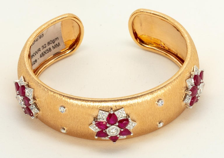 Rubies 18 Karat Rose White Gold Link Bangle with Diamonds For Sale 2