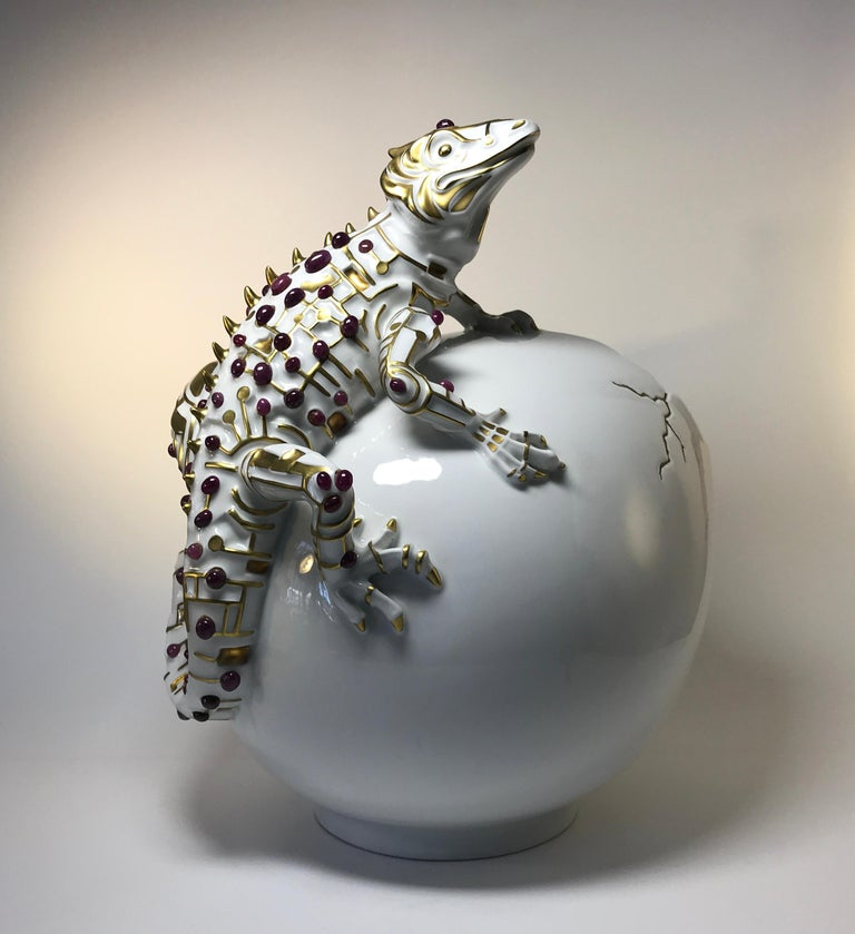 Rubies 24k Pure Gold, Porcelain Luxury Lizard Sculpture Egg Caviar Bowl 2000s In Good Condition For Sale In Rothley, Leicestershire