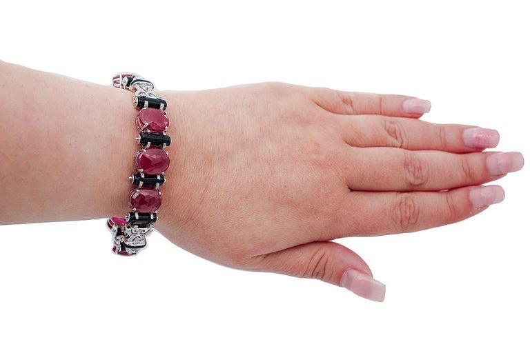 Mixed Cut Rubies, Diamonds, Onyx, 14 Karat White Gold Retrò Bracelet For Sale