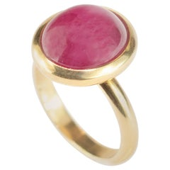 Ruby 18 Karat Yellow Gold Purple Solitaire Oval Cabochon Cocktail Handmade Ring