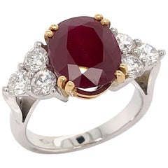 Ruby 4.89 Carat and White Diamonds Color G on White Gold Cocktail Ring 18 Karat