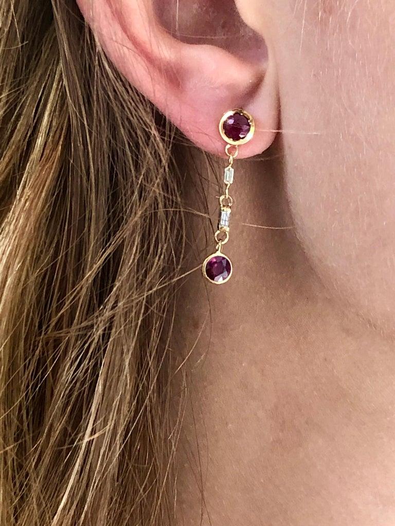 Fourteen karat yellow gold drop earrings 1
