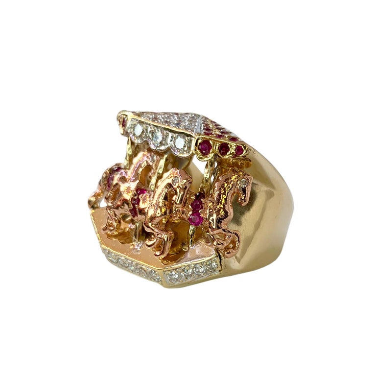 Ruby and Diamond 14 Karat Yellow and Rose Gold Carousel Ring In Good Condition For Sale In Los Angeles, CA