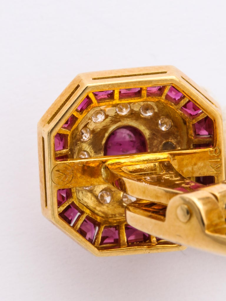 Ruby and Diamond Cuff-Links In Excellent Condition For Sale In New York, NY