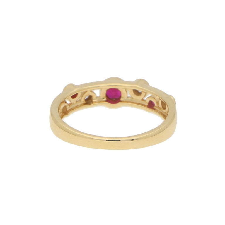 Women's or Men's Ruby and Diamond Retro Bubble Ring Set in 18 Karat Yellow Gold For Sale