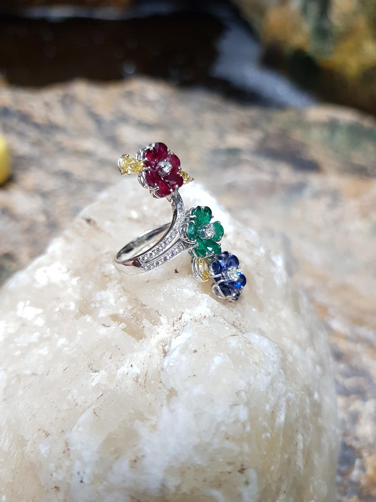 Ruby, Blue Sapphire, Emerald with Yellow Diamond and Diamond Ring 18k White Gold In New Condition For Sale In Bangkok, TH