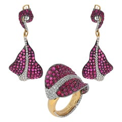Ruby Cabochon Diamonds 18 Karat Yellow and Black Gold Stingray Suite