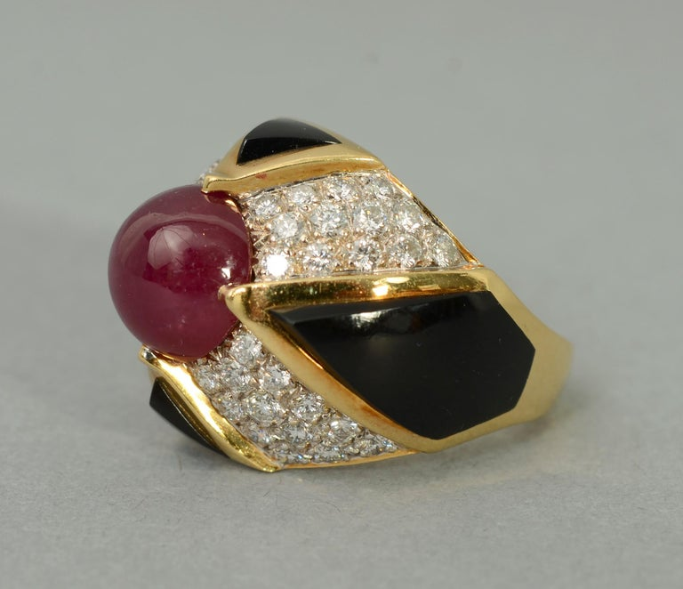 Ruby, Carved Onyx and Diamond Cocktail Ring In Excellent Condition For Sale In Darnestown, MD