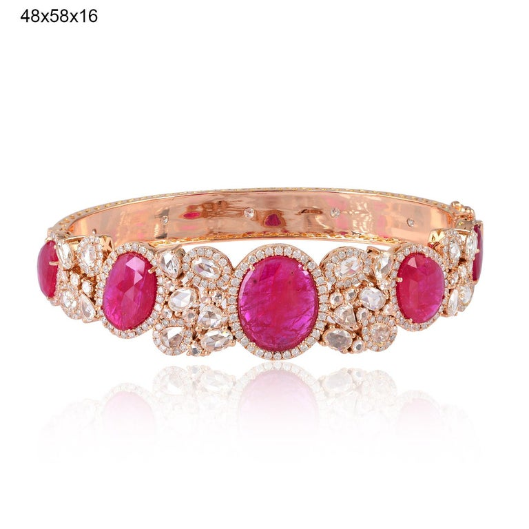 Ruby Diamond 18 Karat Gold Bangle Bracelet In New Condition For Sale In Hoffman Estate, IL